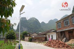 广西柳州新农村一体化太阳能路灯安装实例4